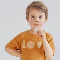 Dete-testva-testa-blizalka